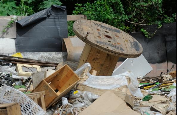 Governo decidiu não ampliar prazo para municípios acabarem com os lixões.